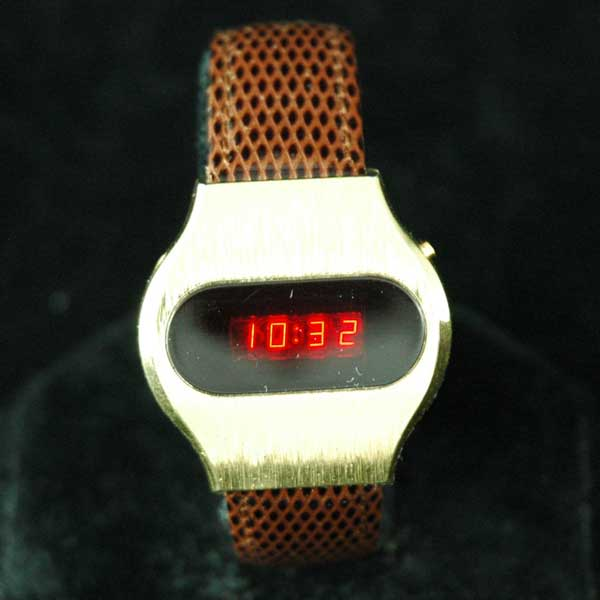 vintage LED watch EXCELLENT TIMEX DOW LED,